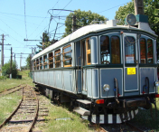 Cel mai vechi tren electric din Romania rugineste in depou