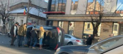 Accident spectaculos pe Dorobantilor. Un SUV a ajuns răsturnat. VIDEO