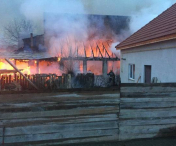 Incendiu violent intr-o cladire in care functioneaza si un bar, in Arad