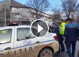 Interventie in forta a politistilor rutieri aflati la accident...